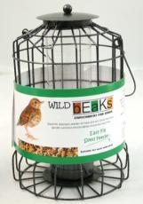 squirrel-resistant-seed-feeder
